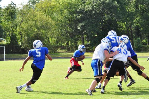 Wolverines scrimmage at practice (Photo by Madison Condon)