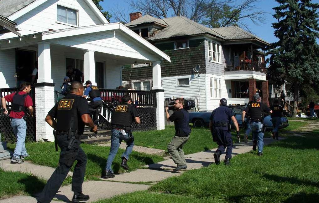 DEA agents conduct a marijuana raid in Eureka, CA (Courtesy of Humboldt County News)