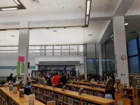 (Staff Picture) The reception was held in the library.